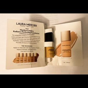 Laura Mercier perfecting foundation in vanille